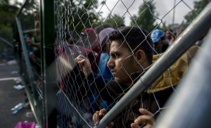 Εξαλλος ο δήμαρχος Μεσολογγίου: Αντιδρά στη φιλοξενία προσφύγων σε ξενοδοχεία