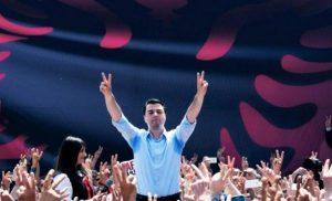 Αλβανία: Άμεση ελληνοποίηση με δύο φωτογραφίες και 1.000 ευρώ στο χέρι