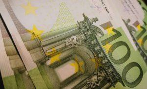 ΚΕΑ: Αντίστροφη μέτρηση για την καταβολή των χρημάτων στους δικαιούχους