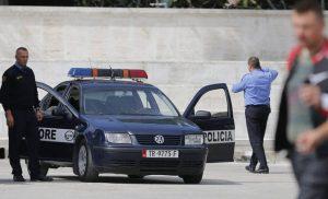 Αστυνομικός φρουρός Έλληνα βουλευτή κρατείται στους Αγίους Σαράντα