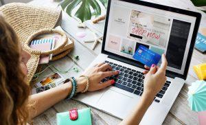 Μέσω internet μία στις έξι αγορές των Ελλήνων – Προτιμούν τα εγχώρια e-shops