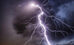 Πρόγνωση καιρού για σήμερα Βροχές, καταιγίδες και μποφόρ την Κυριακή
