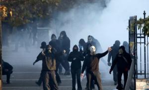 Αντιεξουσιαστές: Ρίξαμε μολότοφ στο Γ΄ Σώμα Στρατού και το απέκρυψαν