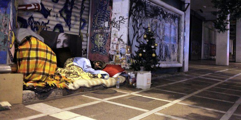 Έκκληση για βοήθεια ενός αστέγου στην Σαντορίνη