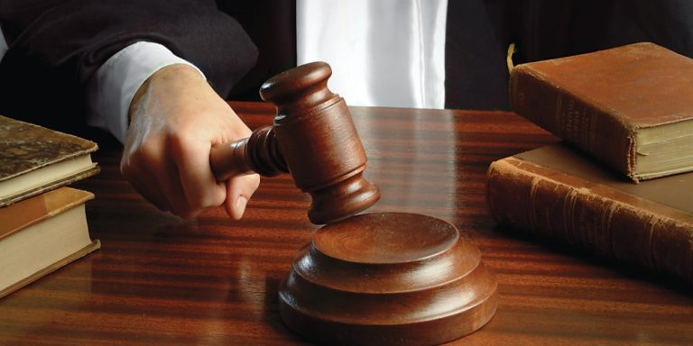 Ανατροπή από το Ειρηνοδικείο Αμαρουσίου: Δίνει πίσω 13 και 14ο μισθό δημιουργώντας δεδικασμένο