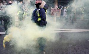 Γαλλία – Κίτρινα γιλέκα LIVE: Χαμός ξανά στο Παρίσι!