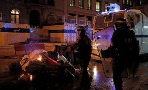 Σοκ στο Παρίσι: Αστυνομικός πυροβόλησε φωτορεπόρτερ και ζήτησε συγγνώμη [βίντεο]