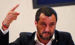Σαλβίνι: Δεν θα ρίξω την κυβέρνηση για τα γκάλοπ