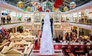 Ξεκίνησε το εορταστικό ωράριο Χριστουγέννων – Ανοιχτά τα καταστήματα την Κυριακή