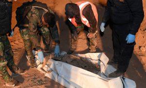 Φρίκη: Ομαδικοί τάφοι με 101 πτώματα ανακαλύφθηκαν στην πόλη Μπουκάμαλ στην Συρία