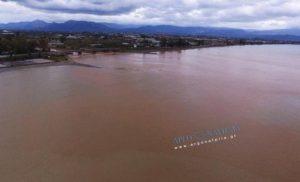 Νέα Κίος: Η θάλασσα έγινε καφέ! – Δείτε ΒΙΝΤΕΟ