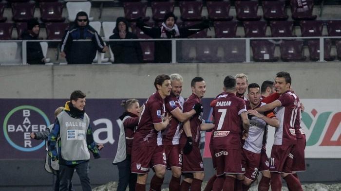 Super League, Λάρισα-Απόλλων Σμύρνης 3-0: Βυσσινί θύελλα στα χιόνια