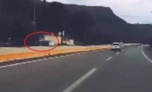 Κρήτη: Επικίνδυνος! Οδηγούσε ανάποδα στην Εθνική για ώρα – video