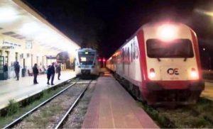 Απίστευτο… Έκοψαν τα καλώδια και ακινητοποίησαν τρένο στον Δομοκό!