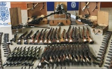 Αλβανία: Χιλιάδες όπλα και χειροβομβίδες βρίσκονται παράνομα στα χέρια των Αλβανών πολιτών