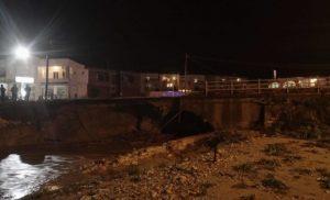 Καιρός: Κατέρρευσε κι άλλη γέφυρα στην Κρήτη! «Κόπηκε» η παλιά Εθνική Οδός στο Ρέθυμνο