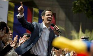 «Πλάτες» της Μόσχας στον δικτάτορα Μαδούρο! Λένε τον Γκουαϊδό, πράκτορα των ΗΠΑ