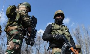 Η Ινδία λέει ότι κατέρριψε ένα πακιστανικό αεροσκάφος και παραδέχεται ότι «έχασε» ένα Mig-21