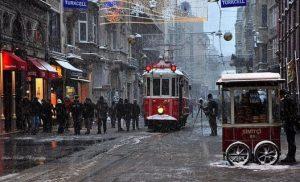 Ελληνικές συνοικίες στην Κωνσταντινούπολη προκαλούν συγκίνηση