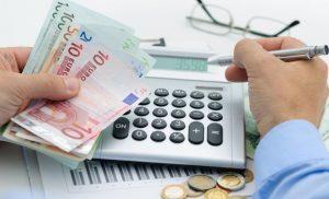 Στοιχεία -σοκ: 3 στους 4 οφειλέτες του Δημοσίου εκτός ρύθμισης – Η κυβέρνηση πιέζει για τις 120 δόσεις