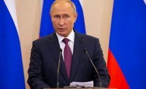 Έξι στους δέκα Ρώσους εγκρίνουν το έργο του Πούτιν