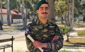 «Δεν ντρόπιασα κανέναν και ουδείς απειλήθηκε» δηλώνει ο αλεξιπτωτιστής του «Μακεδονία ξακουστή»