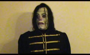 Jacko όπως… Momo: Τρομακτικά memes και βίντεο του Μάικλ Τζάκσον «πλημμύρισαν» το Διαδίκτυο