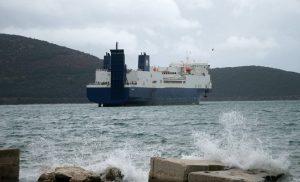 Κανονικά τα ακτοπλοϊκά δρομολόγια από Πειραιά και Λαύριο – Πού παραμένουν δεμένα τα πλοία
