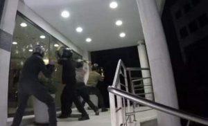 Θριαμβολογεί ο Ρουβίκωνας: Επτά επιθέσεις σε 10 μέρες, έχουμε ενισχυθεί