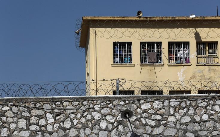 Μπορούμε να βρούμε κανένα φράγκο να στείλουμε το πτώμα στην Αλβανία