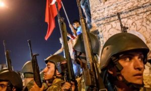 Προετοιμάζονται για εμφύλιο στην Τουρκία: «Xιλιάδες πολίτες προμηθεύονται με όπλα!»