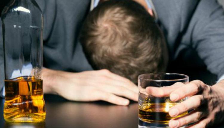 Πως η μεγάλη κατανάλωση αλκοόλ μπορεί να αλλάξει τη βιολογία του οργανισμού ενός ανθρώπου
