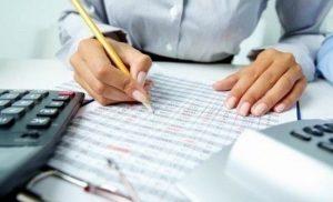 Ρύθμιση 120 δόσεων για εισφορές: Πόσο κόβεται η οφειλή, πόσο βγαίνει η σύνταξη