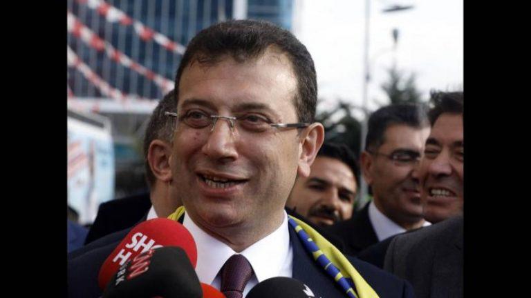 Τούρκοι εθνικιστές κατηγορούν το νέο δήμαρχο της Κωνσταντινούπολης ως Έλληνα επικαλούμενοι δημοσιεύματα στον Ελληνικό τύπο..