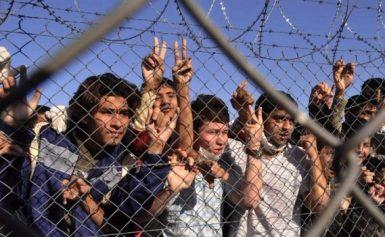 Φρίκη: Σοκαριστικές εικόνες από επιθέσεις σε καταυλισμούς προσφύγων στη Λιβύη [βίντεο]