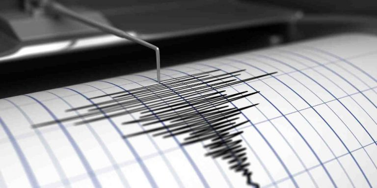 Φονικός ο σεισμός των 5,9 Ρίχτερ στο Ιράν – Αναφορές για τουλάχιστον πέντε νεκρούς και 100 τραυματίες – ΦΩΤΟ