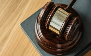 Δικηγόροι για 120 δόσεις: Θετική η ρύθμιση αλλά χρήζει αρκετών βελτιώσεων – Τι λένε για τον ΦΠΑ