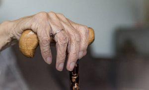 Γαλλία: Δολοφονία σε γηροκομείο με βασική ύποπτο μια… υπεραιωνόβια 102 ετών