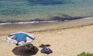 Αυτές είναι οι κατάλληλες και ακατάλληλες για κολύμβηση παραλίες στην Αττική