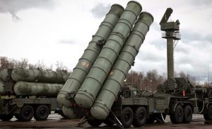 Δεν χαμπαριάζει από τις προειδοποιήσεις των ΗΠΑ ο Ερντογάν: Τελειωμένη η αγορά των ρωσικών S-400