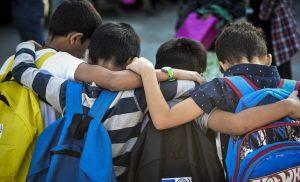 Σάλος στην Κρήτη: Μαθητές δημοτικού πήγαν σε εκδρομή με… κρασί και τσίπουρα