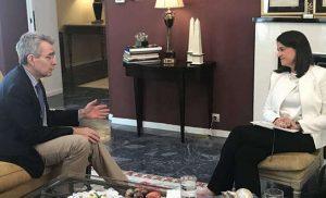 Τι συμφωνήθηκε στη συνάντηση της Νίκης Κεραμέως με τον Τζέφρι Πάιατ