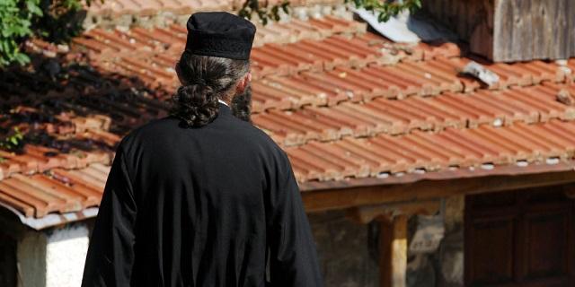 Καταγγελία: Ιερέας αρνήθηκε να κοινωνήσει ΑΜΕΑ επειδή «δεν καταλαβαίνουν»!