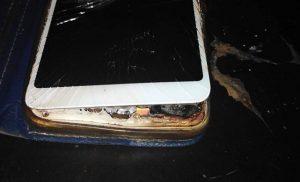 Πάργα: Έσκασε το κινητό δίπλα στο κεφάλι του την ώρα που κοιμόταν (pics)