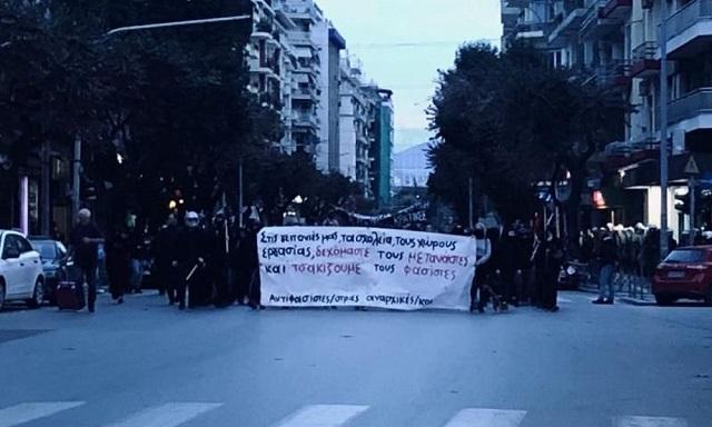 Θεσσαλονίκη: Ταυτόχρονες συγκεντρώσεις υπέρ και κατά προσφύγων στο κέντρο της πόλης