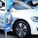 Μειώνονται οι φόροι για τα νέα αυτοκίνητα Τι ισχύει για μεταχειρισμένα και υβριδικά