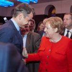 """Η Μέρκελ καλεί Μητσοτάκη να κάνει """"δίκαιο διάλογο"""" με την Τουρκία για τις """"Πρέσπες"""" του Αιγαίου"""