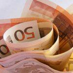 Επίδομα 400 ευρώ: Με ποια κριτήρια θα δοθεί στους επιστήμονες – Τι δήλωσε ο Χατζηδάκης