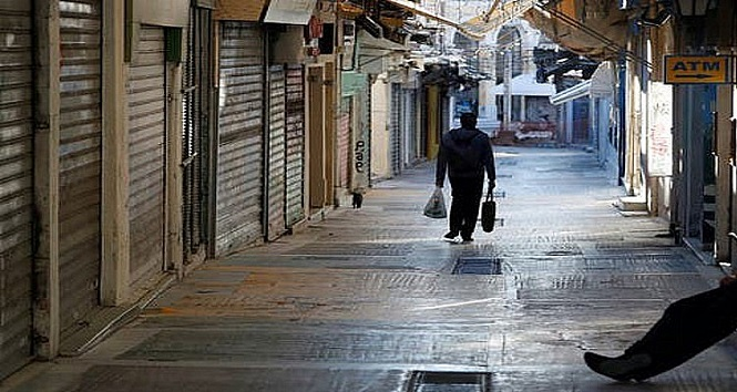 Πρόταση Δερμιτζάκη: Lockdown για δύο εβδομάδες και μετά άνοιγμα σχολείων, καφέ και εστιατορίων
